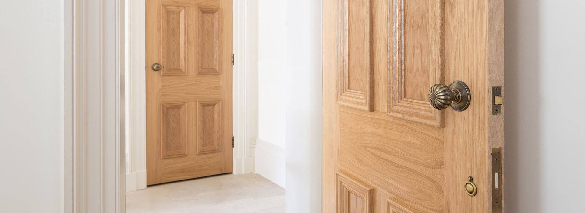 Traditional Oak doors with beehive knobs