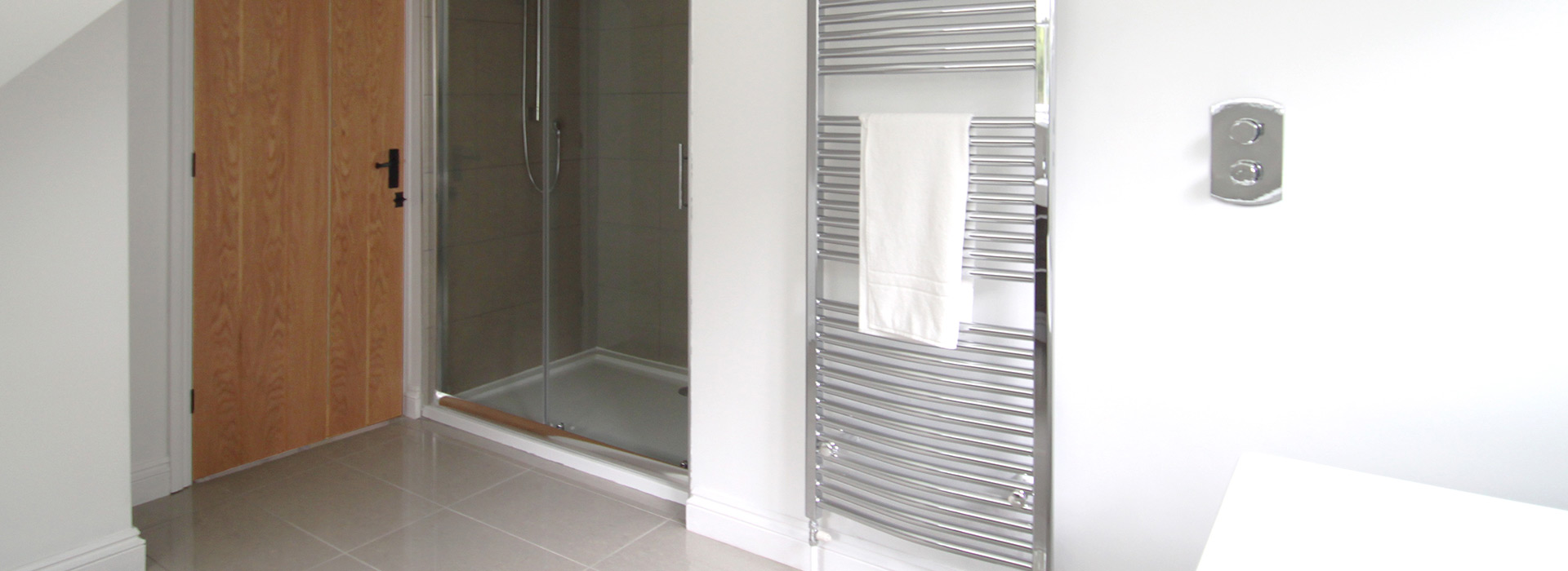 Modern chrome towel rail