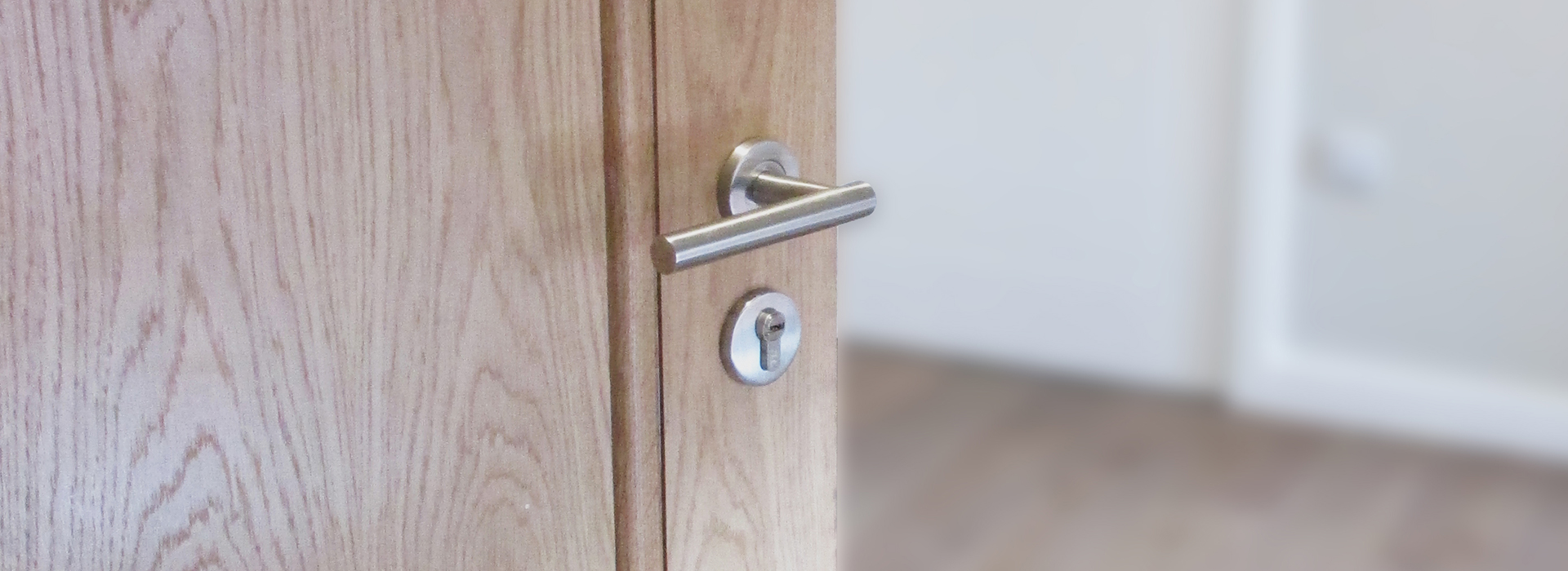 Oak door with modern handle