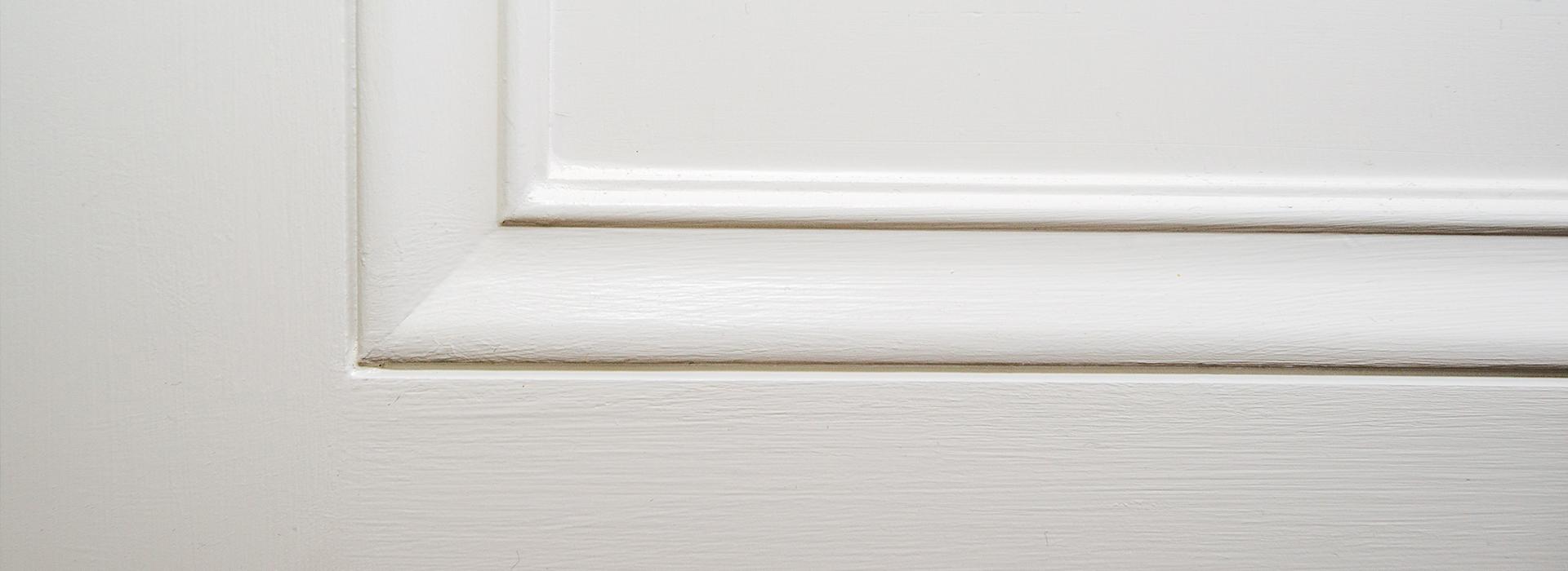 White door moulding