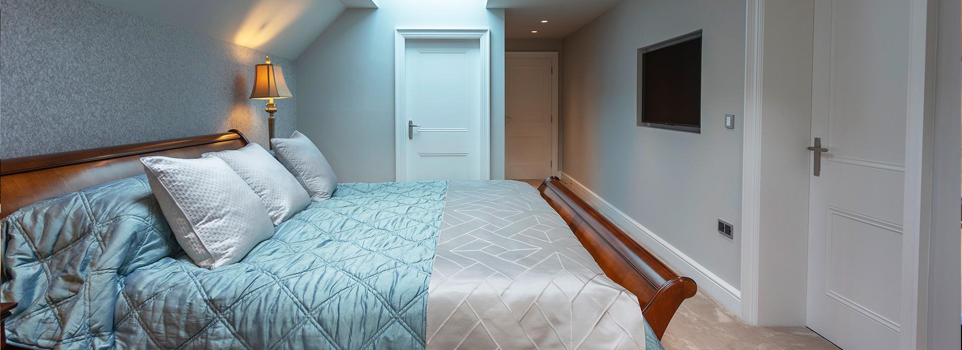 Queensize bed panelled doors