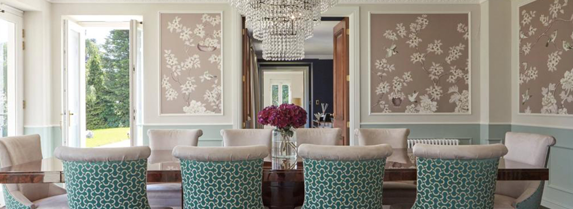 Luxury dining room with chandelier